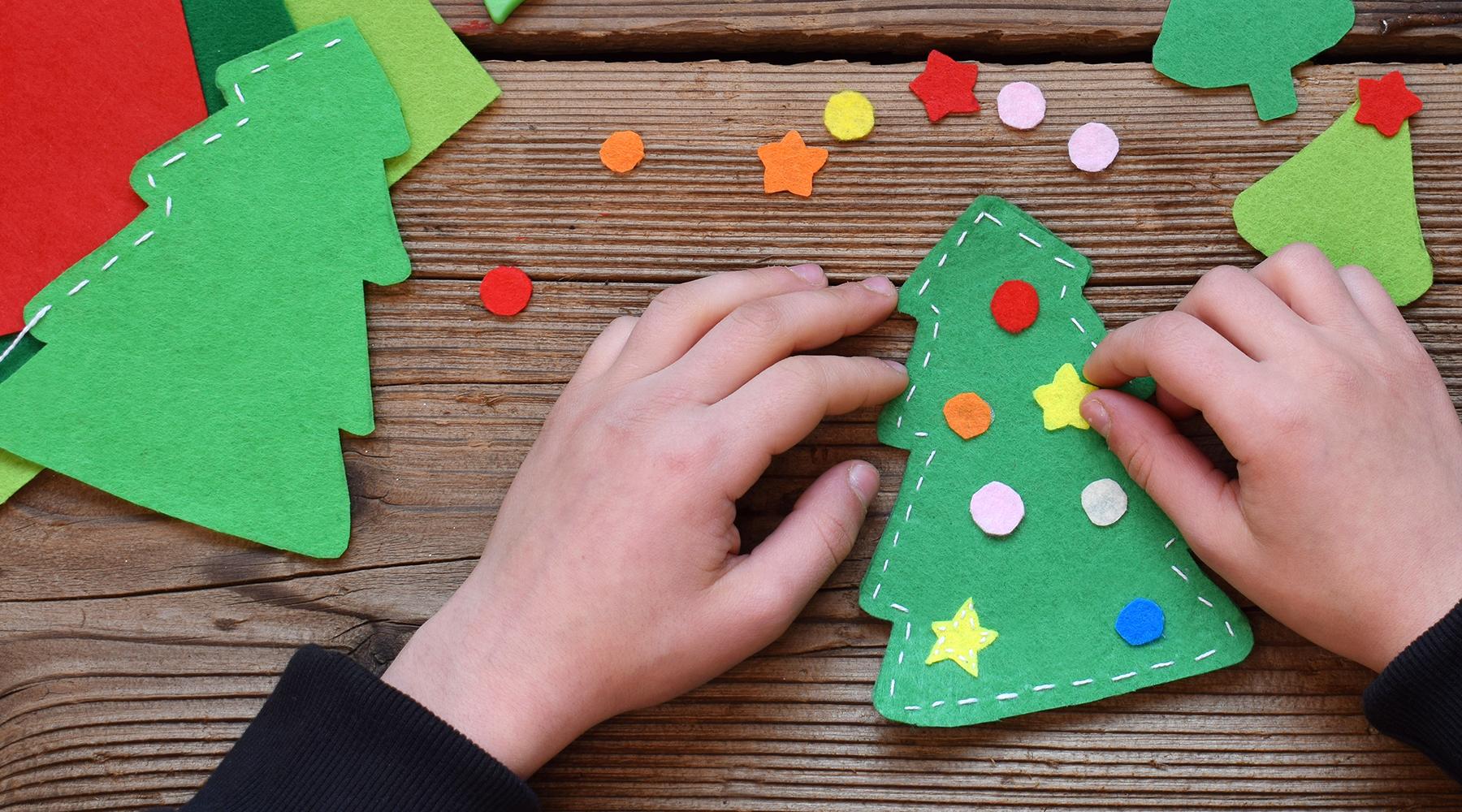 Einfacher selbstgebastelter Weihnachtsschmuck für die diesjährige Weihnachtswerkstatt